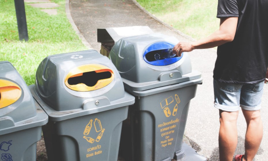 Benefits of Using a Waste Management Business